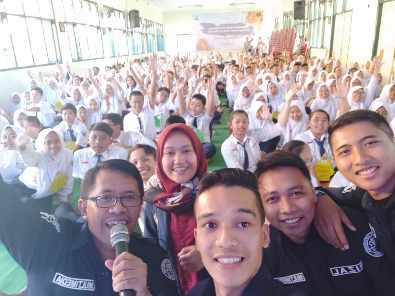 320 Siswa Baru SMAN 7 Malang di beri Pembekalan Bijak Bermedia Sosial