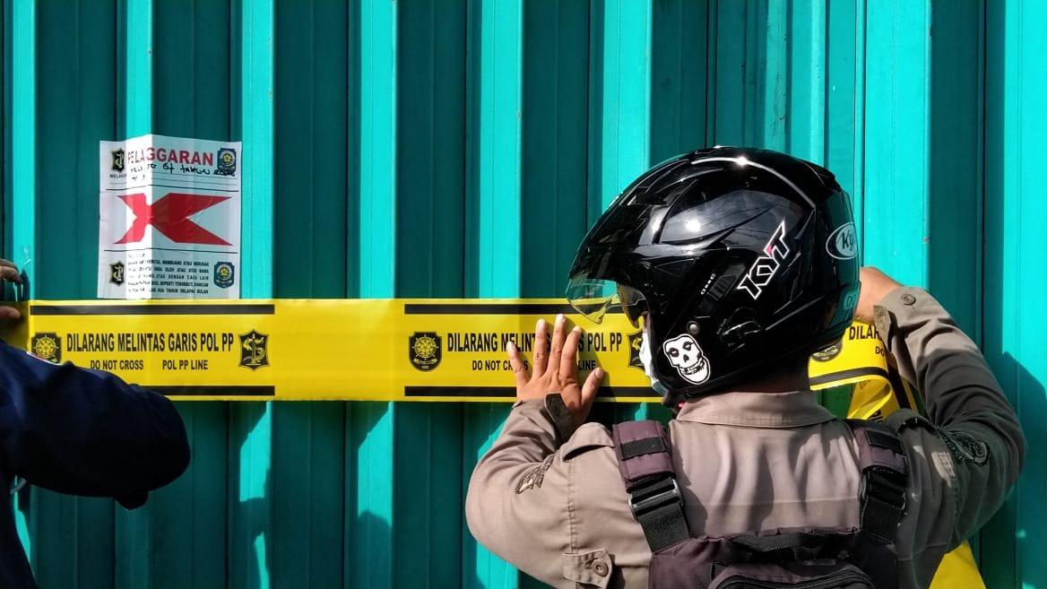 Karaoke Pop City Kenjeran disegel Polisi